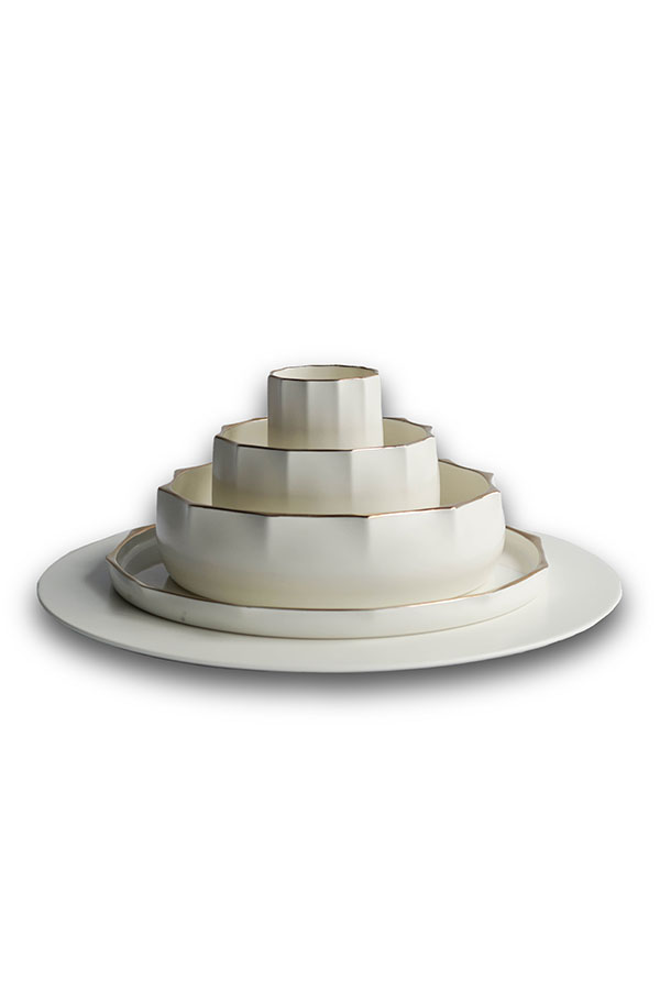 Wohabeing-tableware-with-gold-trim